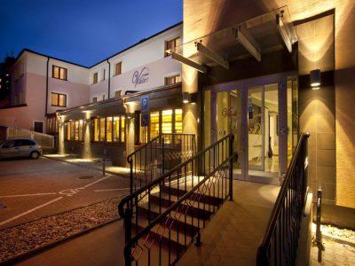 Hotel Viktor entrance